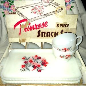 6️⃣➡️sets Vintage FireKing primrose snacks sets